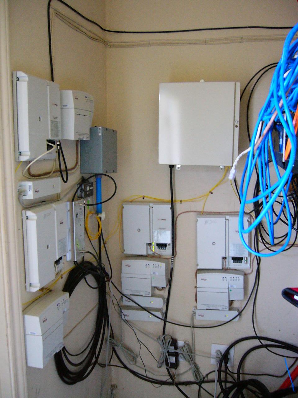 Bsoho Vz Fttp Tutorial Demarc Box Wiring Diagram Tellabs 611i Sfu Pic 1 Unit Installed In Garden Style Mdu